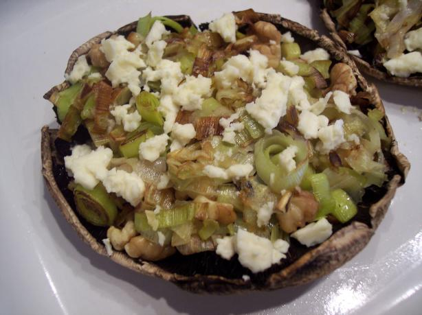 Stuffed Mushrooms With Leeks, Blue Cheese and Walnuts.. Photo by Nif