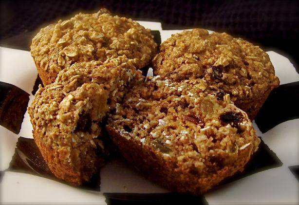 Healthy W.w Oatmeal Raisin Muffins. Photo by PaulaG