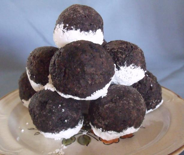 Easy Peasy Oreo Balls. Photo by Darkhunter
