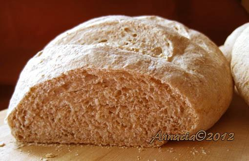 Mankomo's Farmhouse Bread. Photo by Annacia