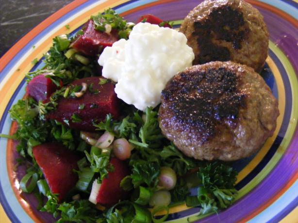 Beef Rissoles & Beetroot Salad (21 Day Wonder Diet: Day 11). Photo by Sara 76