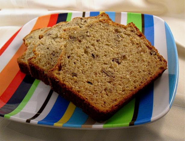 Low Calorie Banana Bread. Photo by PaulaG