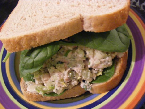 Tuna, Celery & Dill Sandwich (21 Day Wonder Diet: Day 15). Photo by Sara 76