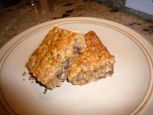 Dreamy Peanut Butter, Banana & Oatmeal Elvis Bars. Photo by Cupcake-Princess