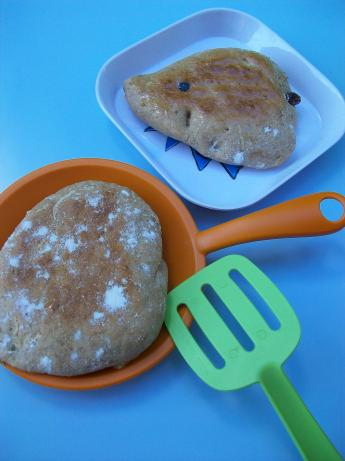 Apple Cinnamon Raisin Pitas (Bread Machine). Photo by Cookgirl