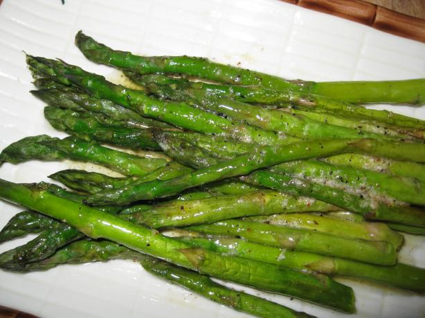 Asparagus With Nutmeg Butter. Photo by threeovens