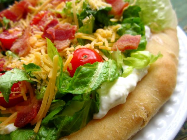 BLT Ranch Salad Pizza-Pampered Chef. Photo by gailanng