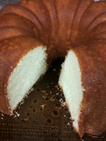 Elvis Presley's Favorite Whipping Cream Pound Cake. Photo by autoshowcase