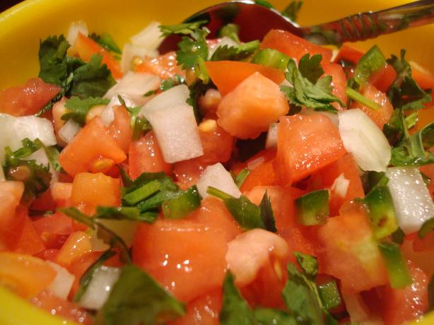 Pico De Gallo. Photo by Starrynews