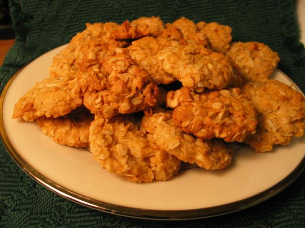 Anzac Biscuits With Macadamia Nuts. Photo by Mulligan