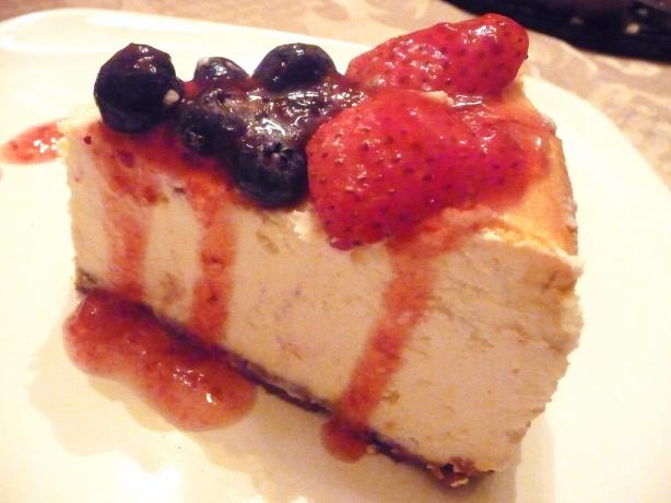 Gordon Ramsay's Baked New York Cheesecake. Photo by Dina_77