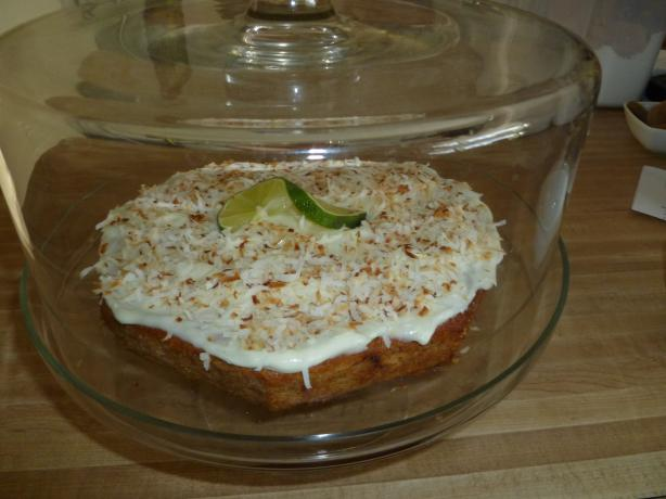 Banana, Lime and Coconut Cake (Australia). Photo by Ambervim
