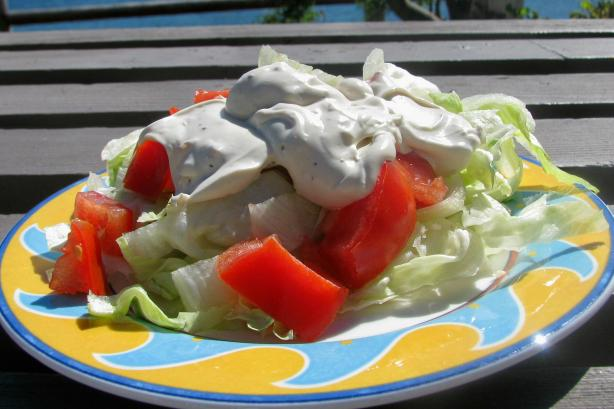 Nif's Creamy Garlic Salad Dressing. Photo by lazyme