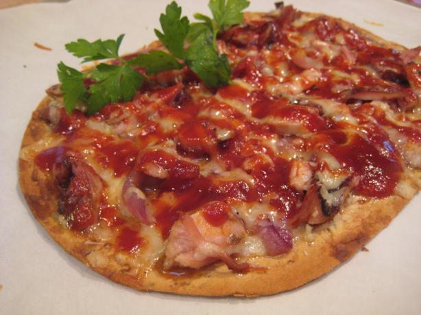 Flatbread Pizza With BBQ Chicken, Gruyere and Caramelized Onion. Photo by Cookin'Diva