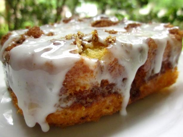 Quick Cinnamon Roll Cake. Photo by gailanng