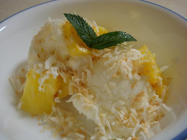 Caramelized Pineapple Sundaes With Coconut. Photo by Starrynews