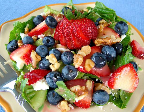 Red, White, and Blue (Berry) Green Salad. Photo by Marg (CaymanDesigns)