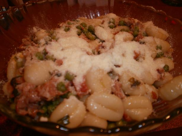 Potato Gnocchi With Pancetta, Peas and Sage. Photo by CIndytc