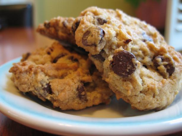Chocolate Chip Oatmeal Cookies (Vegan or Not). Photo by Lisa Clarice