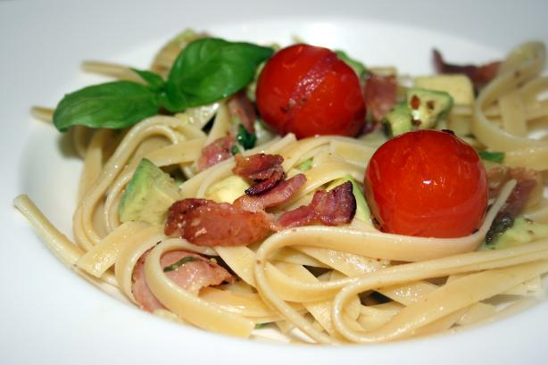 Fettuccine With Cherry Tomatoes, Avocado and Bacon. Photo by **Tinkerbell**