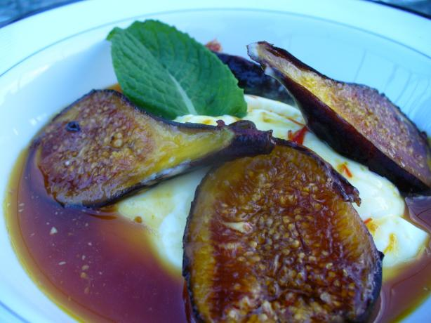Saffron Scented Fresh Figs With Cinnamon and Honey. Photo by IngridH