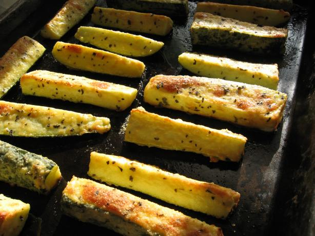 Parmesan Crusted Zucchini. Photo by averybird