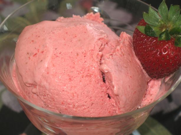 Simple Strawberry Mousse. Photo by Acadia*