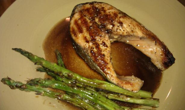 Grilled Salmon and Asparagus With Balsamic Butter. Photo by threeovens