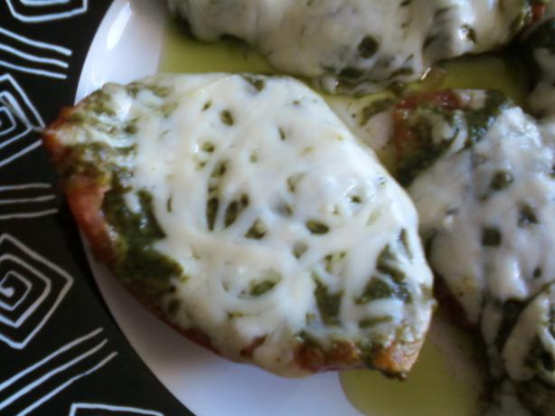 Nif's Grilled Tomatoes With Pesto and Cheese. Photo by MIVeggie