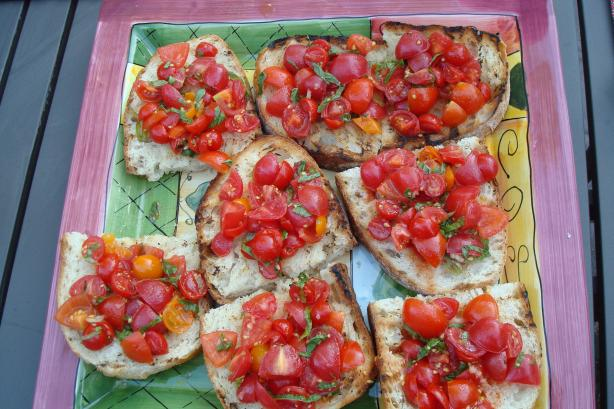 Grilled Tomato and Basil Bruschetta. Photo by 2hot2handle