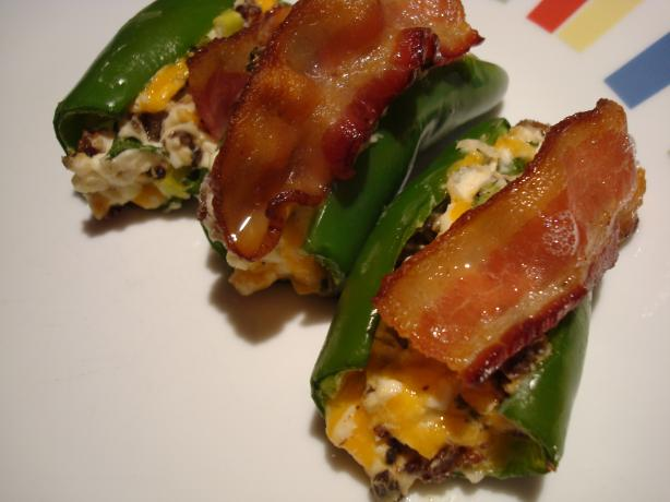 Stuffed Jalapenos Topped With Bacon. Photo by Starrynews