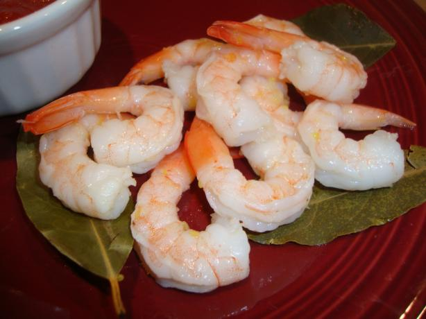 Poached Shrimp With Bay Leaves and Lemon. Photo by Linky