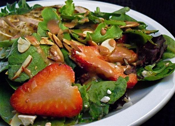 Baby Greens Salad With Strawberries and Blue Cheese. Photo by PaulaG