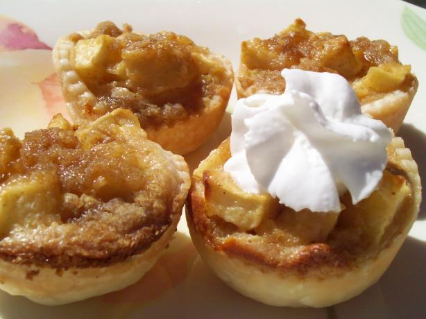 Apple Mini Tarts. Photo by AZPARZYCH