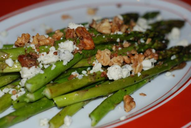 Roasted Asparagus W/ Blue Cheese & Toasted Walnuts. Photo by carmenskitchen