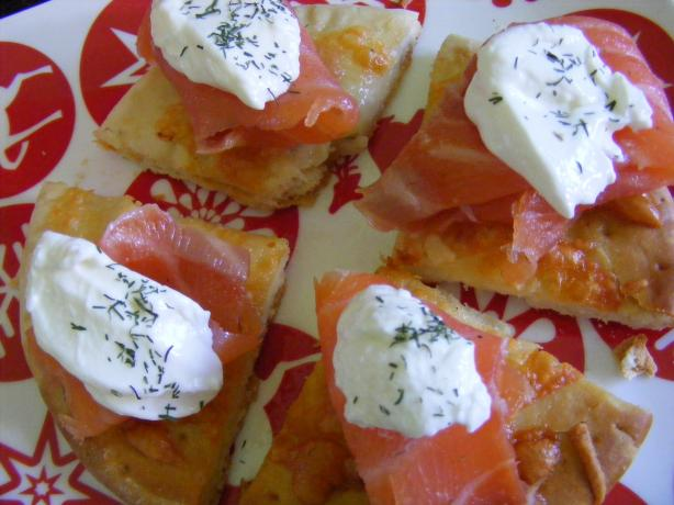 Smoked Salmon Pizza. Photo by Sara 76