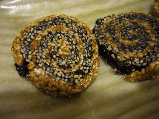 Korean Sesame Seed Cookies. Photo by cookiedog