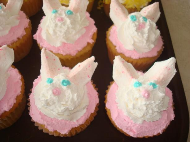 Easter Bunny Cupcakes. Photo by LisaDez