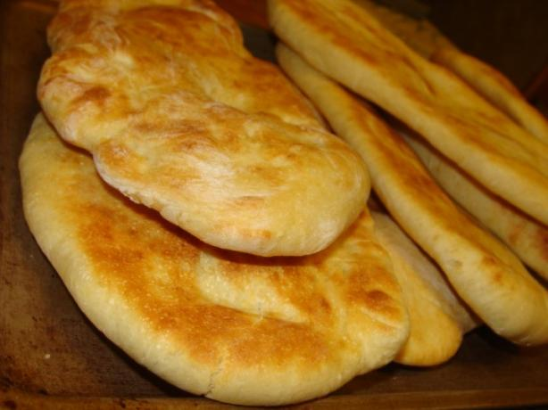 Easy Naan (Bread Machine). Photo by yamakarasu