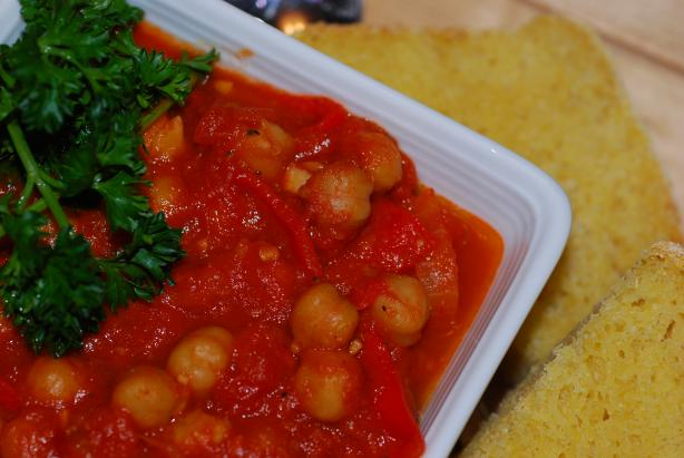 Spicy Tomato Chickpea Stew. Photo by Katzen