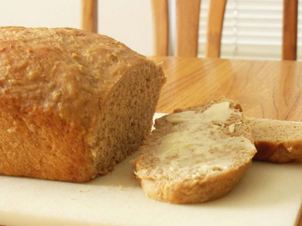 Vermont Whole Wheat Oatmeal Honey Bread. Photo by SweetsLady