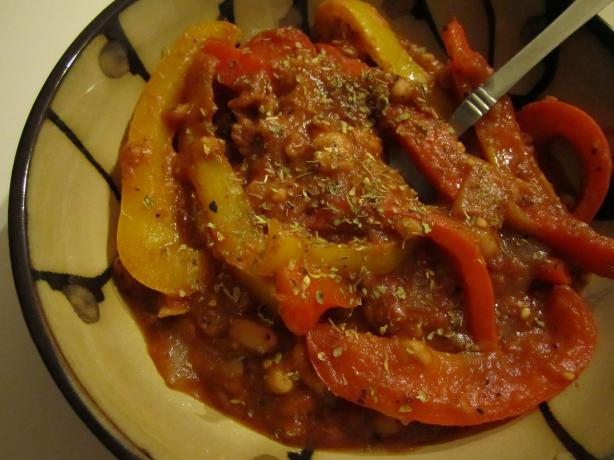Bell Pepper Bean Stew. Photo by Mindelicious