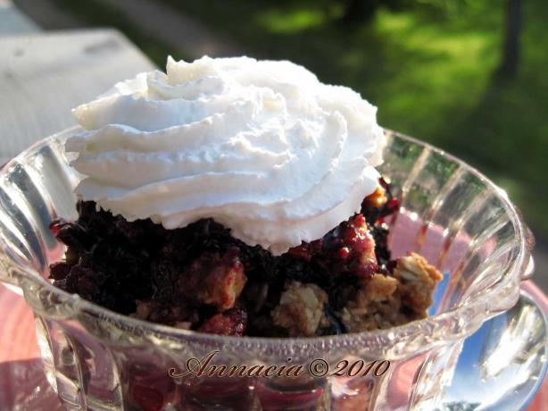 Mixed Berry Crisp. Photo by Annacia