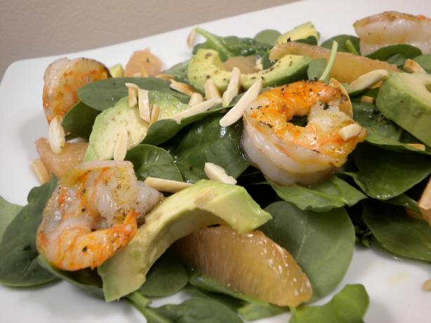 Shrimp and Avocado Salad With Grapefruit Vinaigrette. Photo by Diet It Up