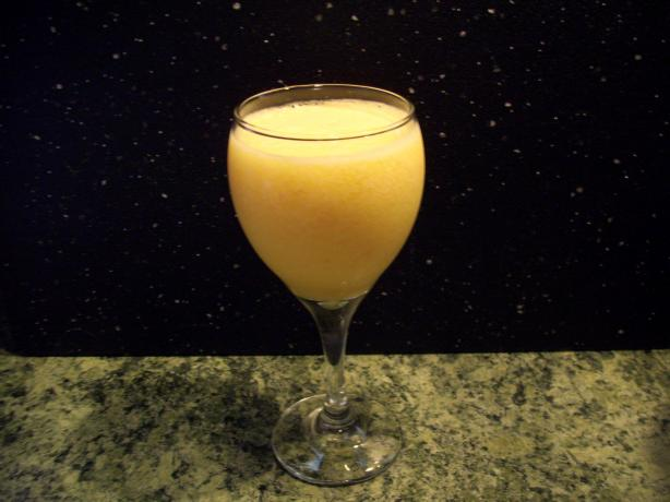 Peachy  Cantaloupe Smoothie. Photo by Suzanna Marie