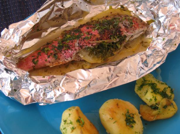 Barbecued Snapper With Butter and Lemon. Photo by MsPia