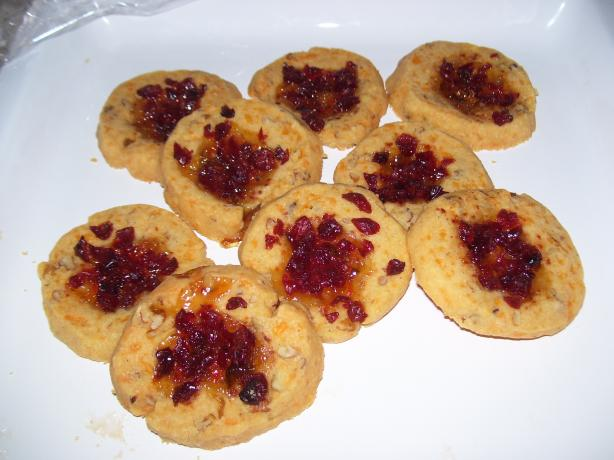 Cheddar Pecan Thumbprints With Jalapeno Jelly and Cranberries. Photo by Eileen Forrester