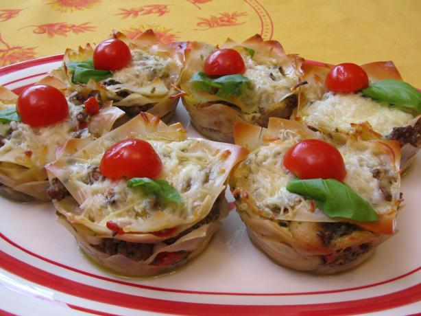 Lasagna Cupcakes With Pesto. Photo by Rita~