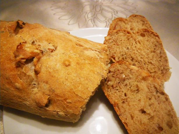 Walnuts and Potatoes Bread. Photo by awalde