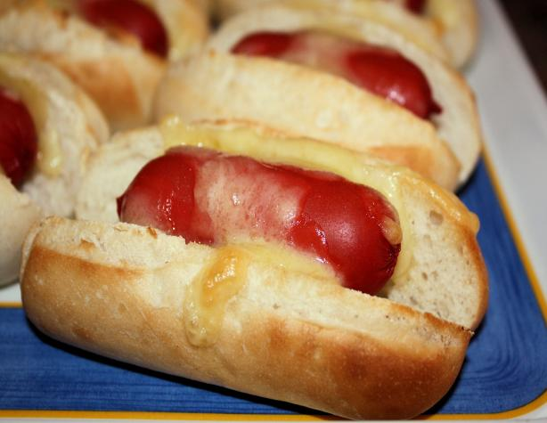 Mini Hot Dogs. Photo by **Jubes**